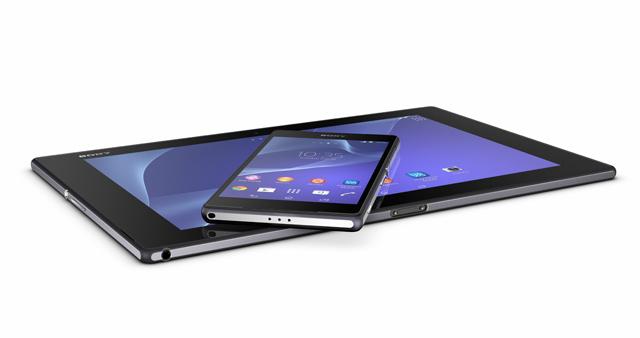 Xperia Z2 лежит на Xperia Z2 Tablet