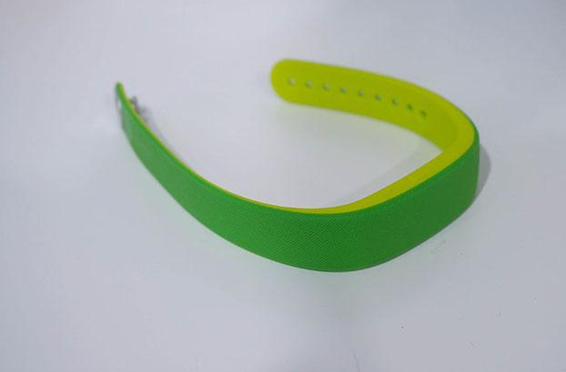 зеленый sony smartband swr10 живые снимки фото