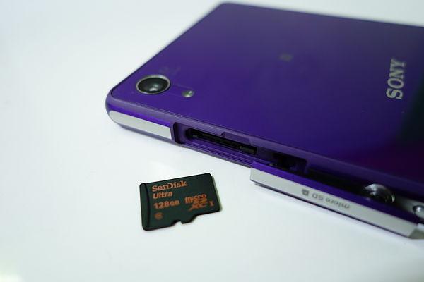 Карта памяти SanDisk Ultra 128 ГБ microSDXC 10 Class в Sony Xperia