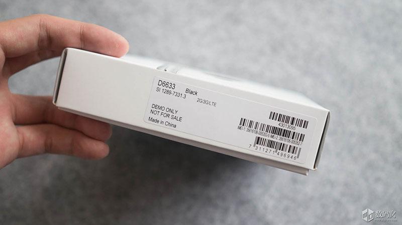 Распаковка и живые фото черного Xperia Z3 Dual D6633