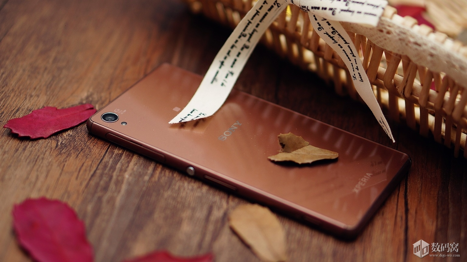 Cтильные живые снимки Xperia Z3 медного цвета