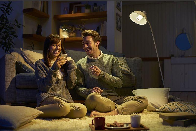 Sony представили музыкальную лампочку с Bluetooth и NFC