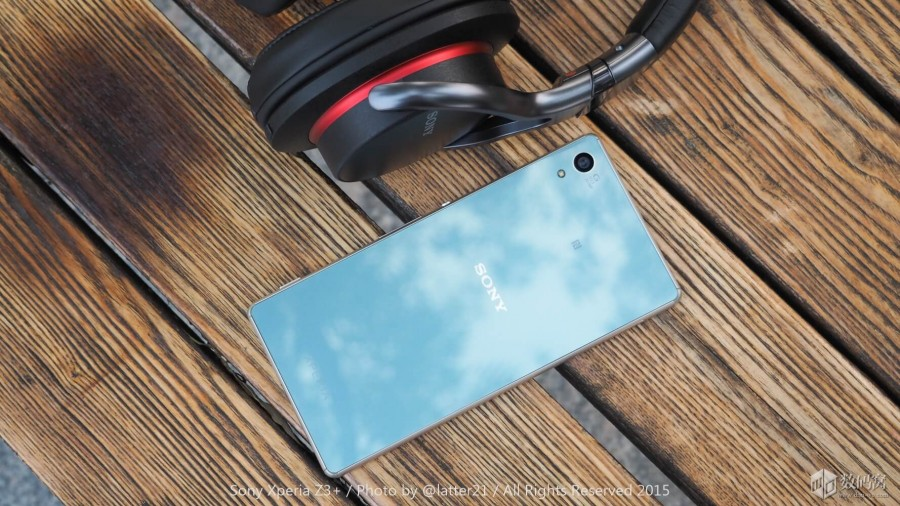 Xperia Z3+ в цвете Aqua Green