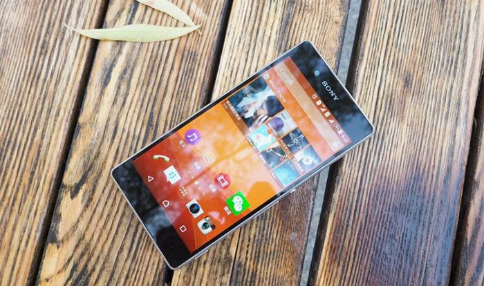 Экран Xperia Z3+ заметно ярче чем у Xperia Z3