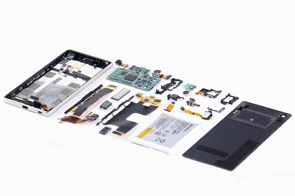 Xperia Z3+ в разобранном виде
