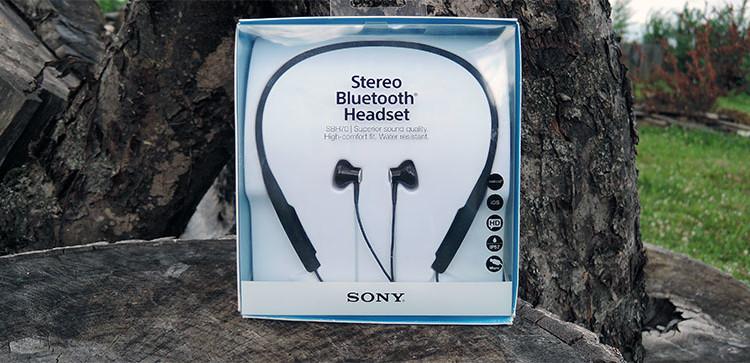 Распаковка и первый взгляд Sony SBH70