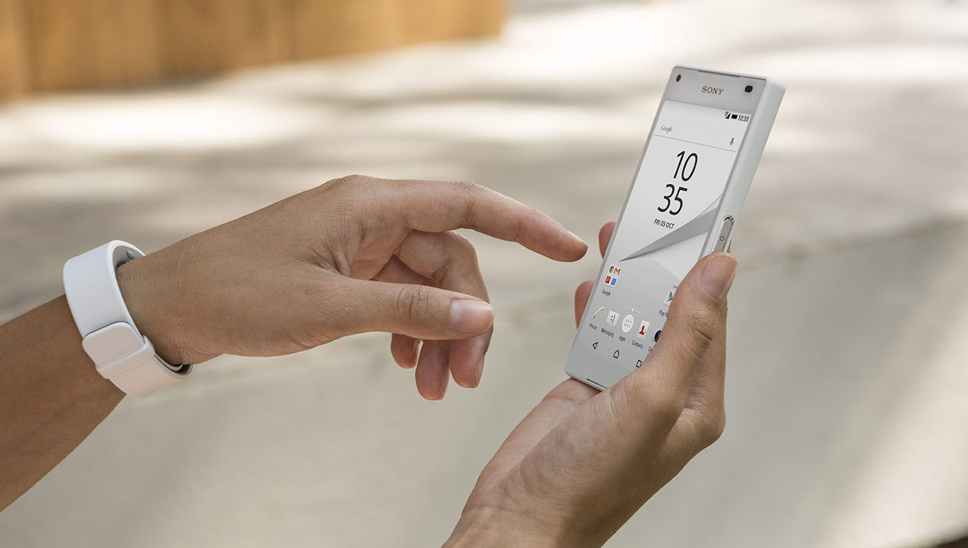 Xperia Z5 Compact экран