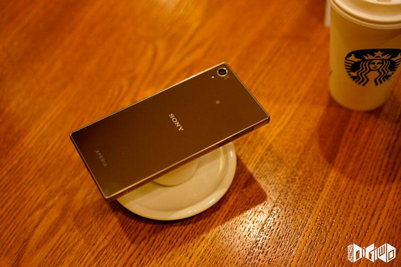 Xperia-Z5-Premium-set-photos-17