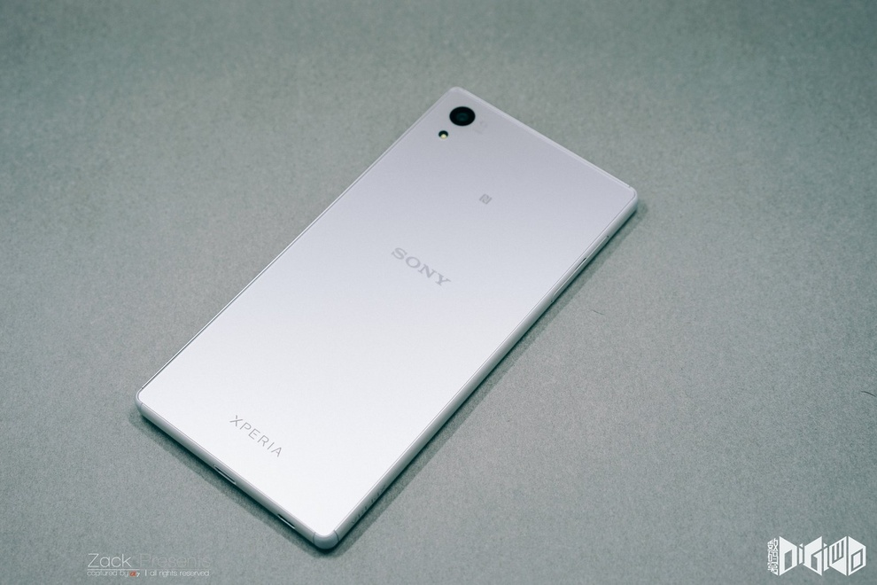 Xperia-Z5-and-previous-generation-001