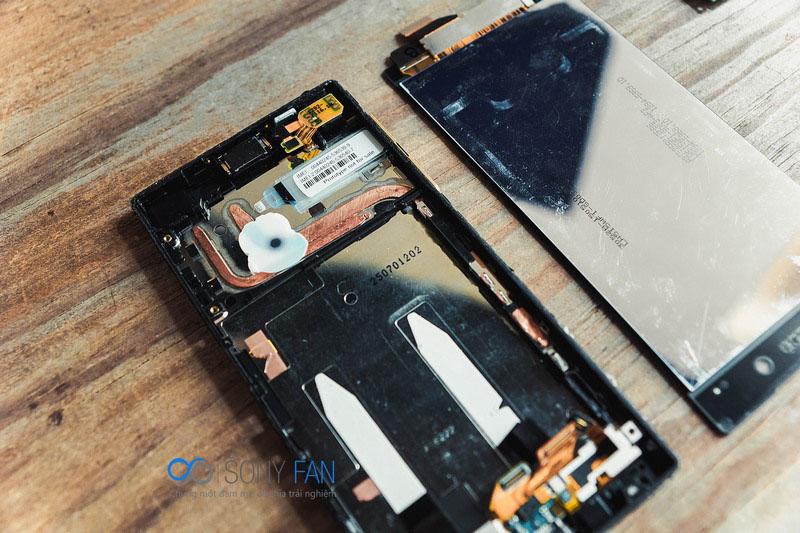 тепловые медные трубки в корпусе Xperia Z5