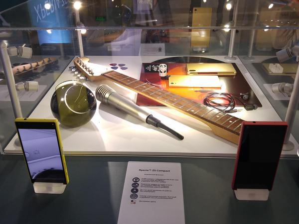 промо стенд Sony на российской презентации Xperia Z5