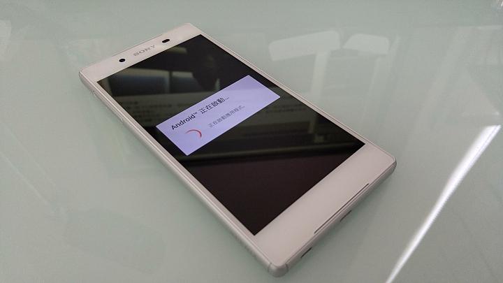 живые снимки Sony Xperia Z5 экран