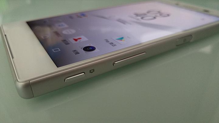 живые снимки Sony Xperia Z5 кнопка питания