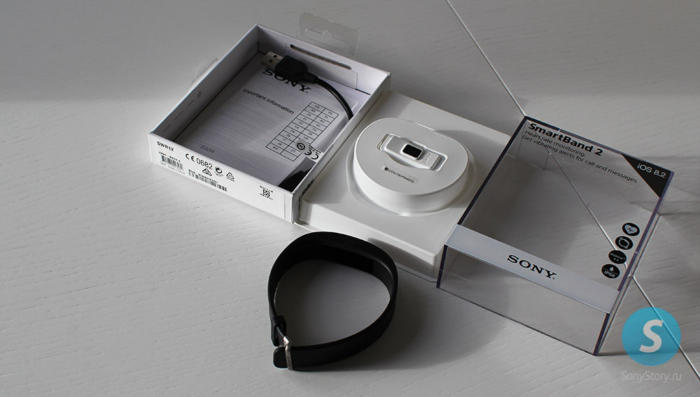 Sony Smartband-2 SWR12 распаковка