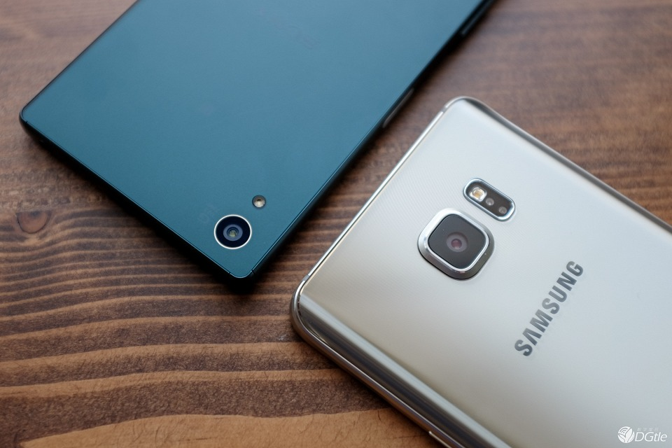 Фото Xperia Z5 против Galaxy Note 5 камеры