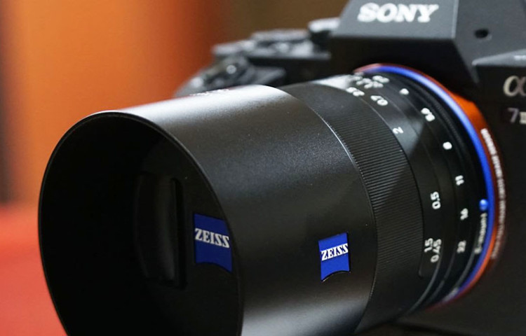партнерство Sony и Zeiss