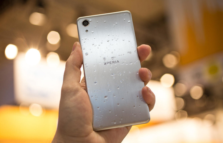 влагозащита Sony Xperia X