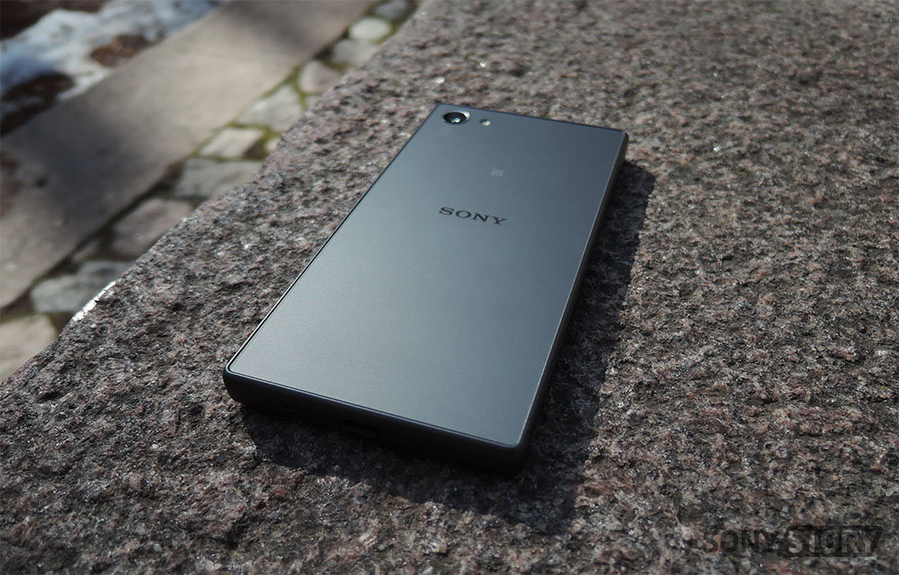 обзор Sony Xperia Z5 Compact Frosted Glass