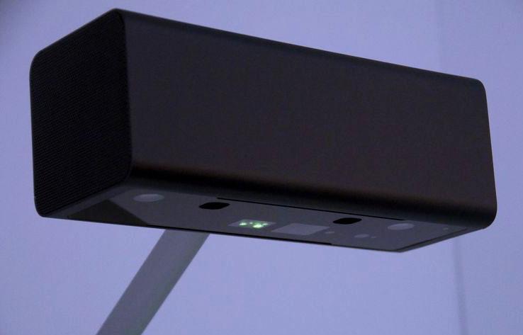 sony projector прототип может делать из любого стола сенсорный экран