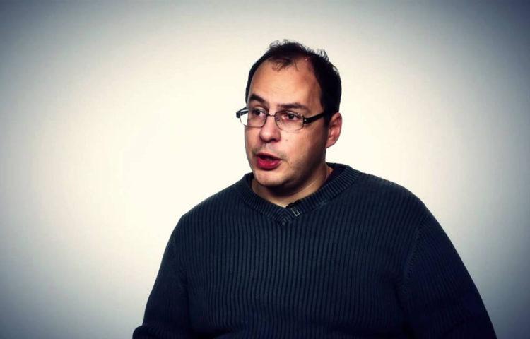 Муртазин атакует Sony Mobile
