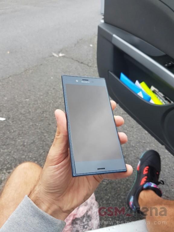 Sony-Xperia-F8331-leak-pic-3