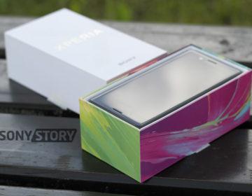 распаковка Sony-Xperia-X-Dual-F5122 и первый взгляд