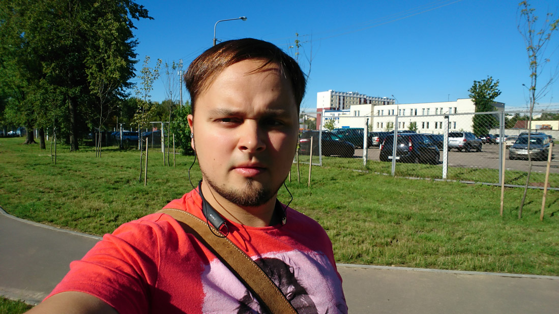 live-shots-Sony Xperia-X-summer-large-set-selfie-1