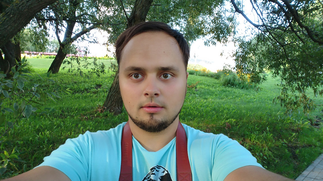 live-shots-Sony Xperia-X-summer-large-set-selfie-2