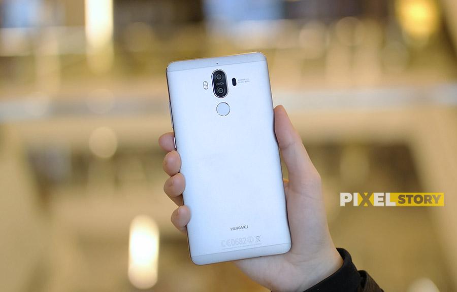 Первый взгляд Huawei Mate 9 Space Gray - задняя сторона и камеры