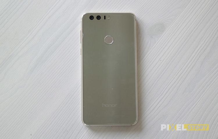 Обзор Huawei Honor 8 - дизайн задней стороны - стекло