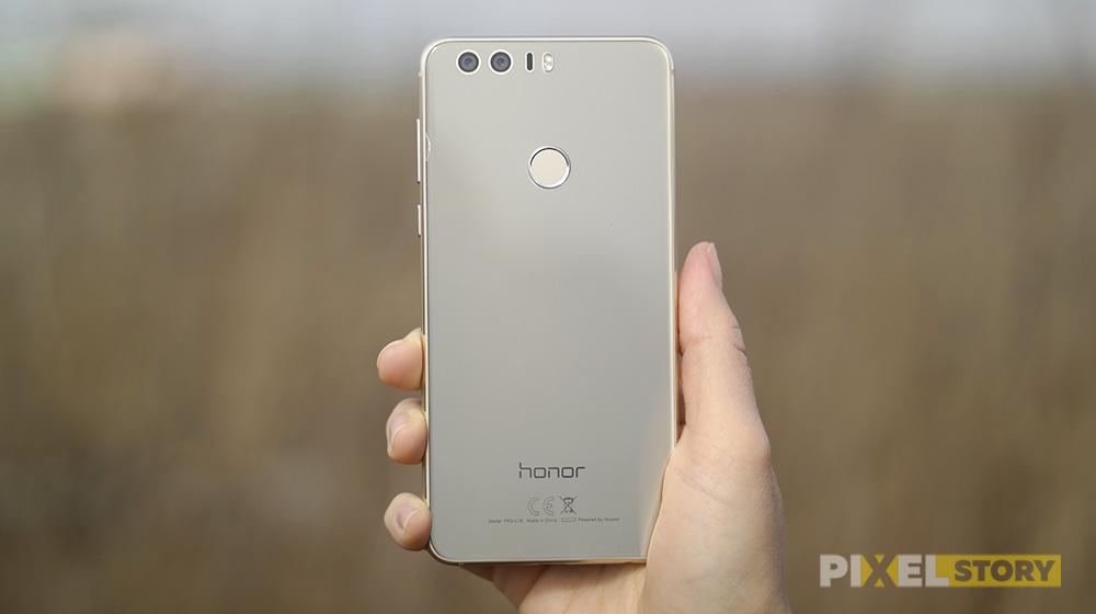 Обзор Huawei Honor 8 - дизайн задней стороны
