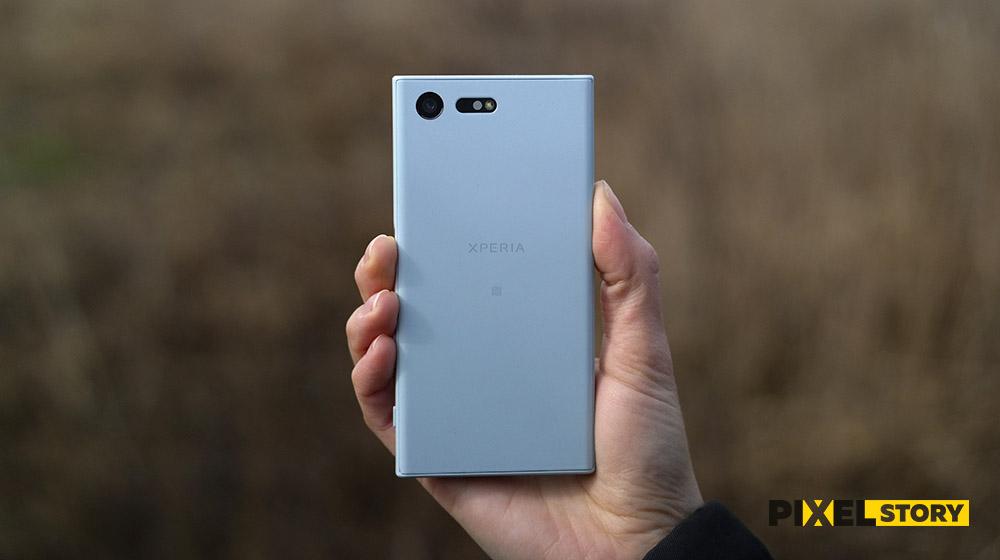 Обзор Sony Xperia X Compact - голубой цвет