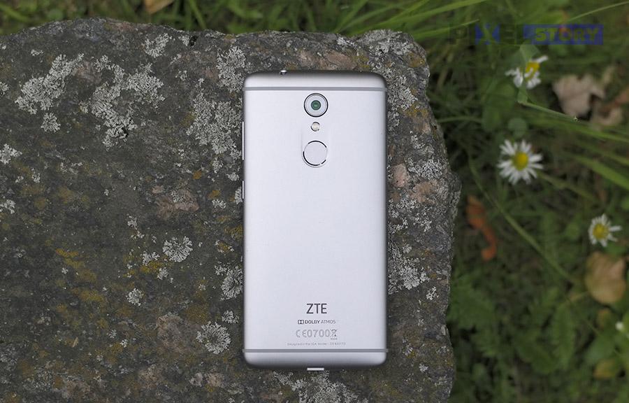задняя сторона ZTE Axon 7 mini