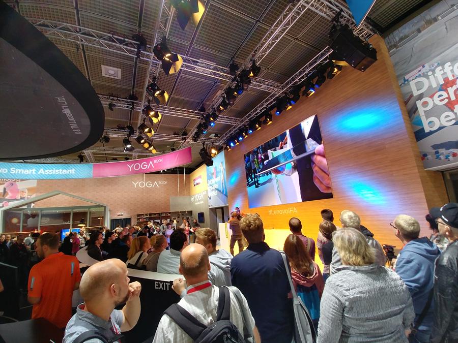 Осматриваем павильон Lenovo на IFA 2017
