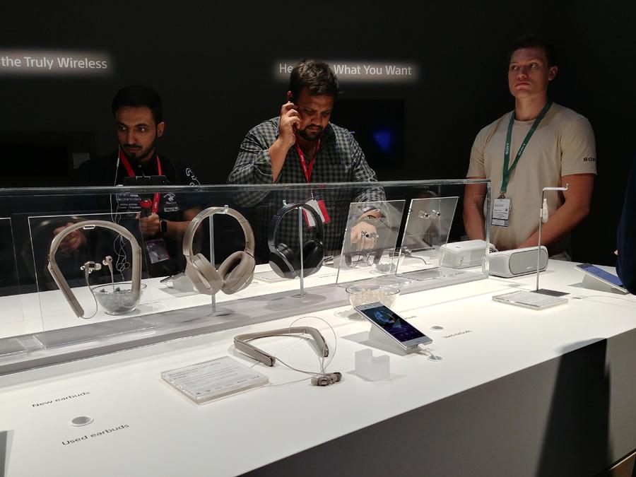 Беспроводные наушники Sony с шумоподавлением на IFA 2017