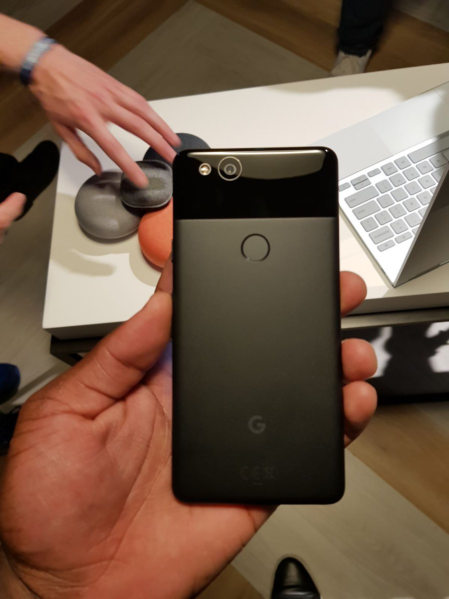 живые фото Google Pixel 2 и Pixel 2 XL