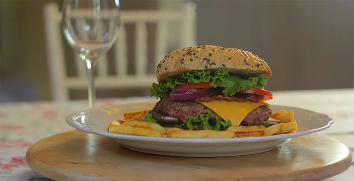 Огнеупорный Xperia Z3 или приготовление гамбургера со смартфоном внутри