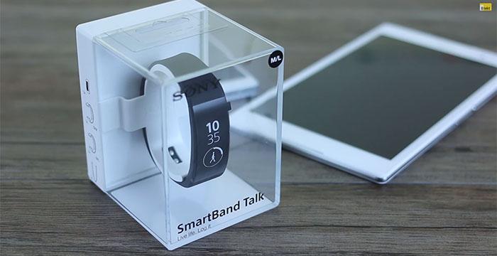 Первая видео распаковка SmartBand Talk