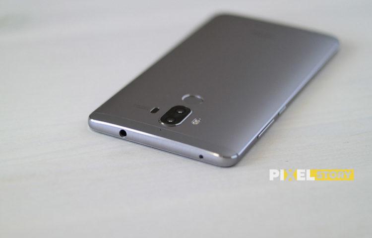 Первый взгляд Huawei Mate 9 Space Gray торцы