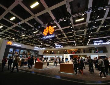 В этом году Huawei продала 100 миллионов смартфонов