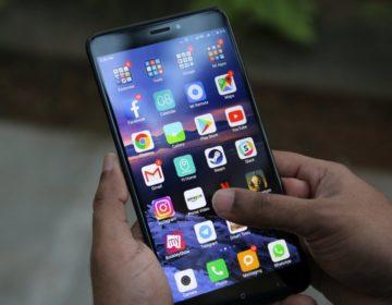 CEO Xiaomi сфоткал коробку от Mi Max 3