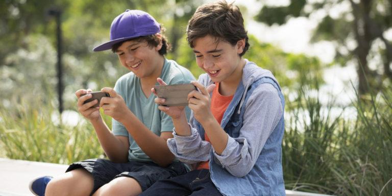 Как выбрать смартфон для своего ребенка