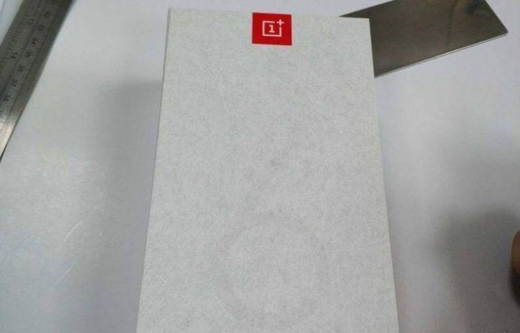 Утечка коробки OnePlus 6T раскрыла датчик отпечатков пальцев в экране