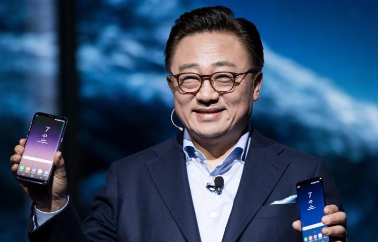 Samsung надеется, что Galaxy S10 преуспеет, иначе кризис неизбежен